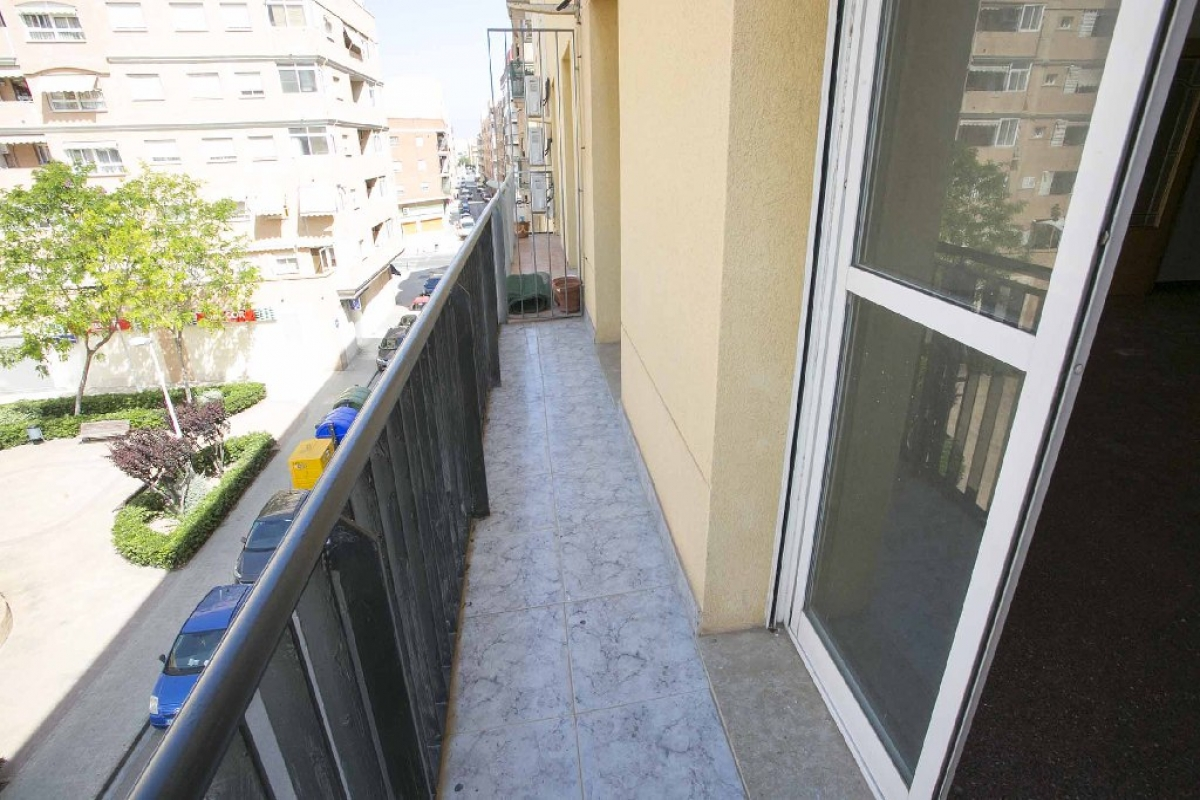 Piso en venta en Piso en Sagunto/sagunt, Valencia, 151.500 €, 3 habitaciones, 2 baños, 148 m2
