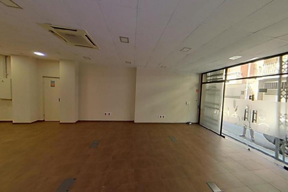 Local en venta en Sínia Artigues, Vilanova I la Geltrú, Barcelona, Calle Doctor Fleming, 167.500 €, 175 m2