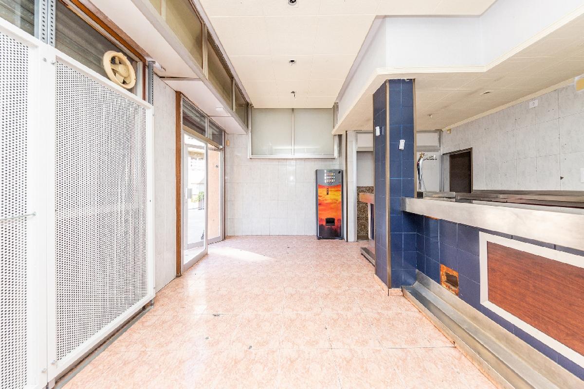 Local en venta en Badalona, Barcelona, Calle Doctor Robert, 73.000 €, 39 m2