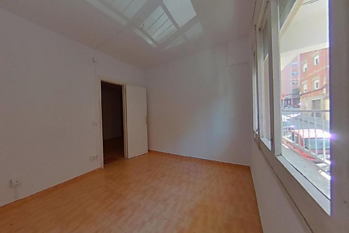 Piso en venta en Rubí, Barcelona, Calle Doctor Zamenhof, 155.500 €, 4 habitaciones, 1 baño, 94 m2