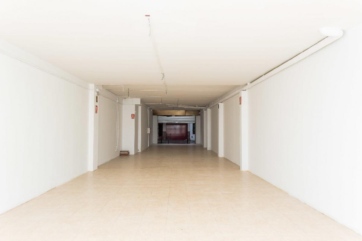 Local en venta en Premià de Mar, Barcelona, Calle Enric Granados, 155.500 €, 131 m2