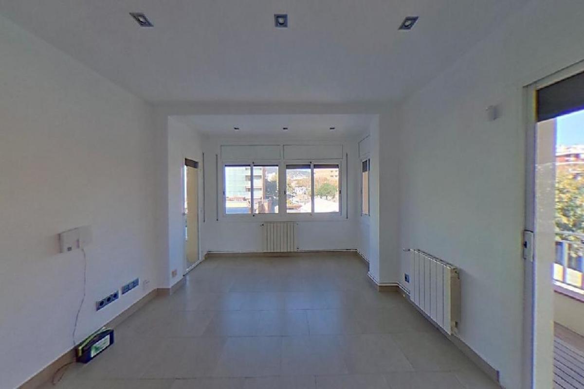 Piso en venta en Premià de Mar, Barcelona, Calle Enric Granados, 203.500 €, 4 habitaciones, 1 baño, 85 m2