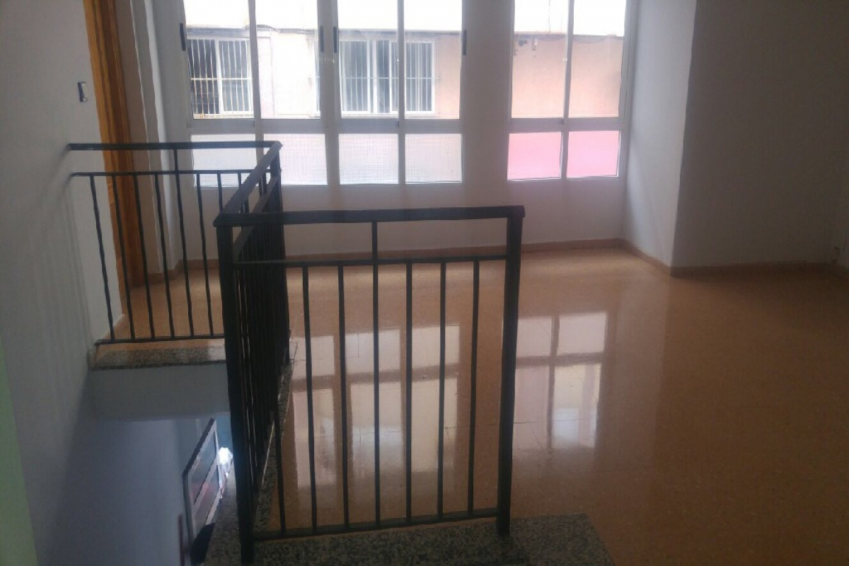 Local en venta en Santa Pola, Alicante, Calle Gabriel Miro, 81.500 €, 149 m2