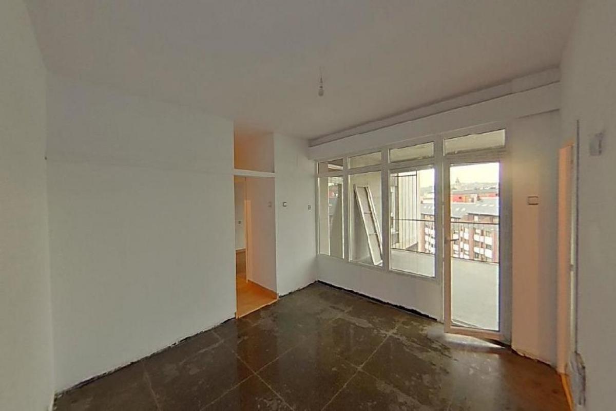 Piso en venta en Oviedo, Asturias, Plaza General Primo de Rivera, 126.500 €, 2 habitaciones, 1 baño, 88 m2
