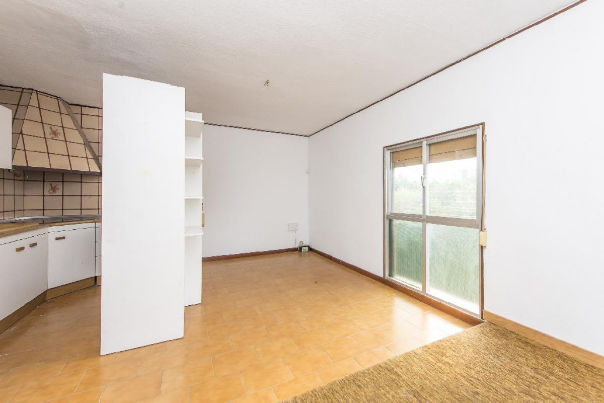 Piso en venta en Barcelona, Barcelona, Calle Lluis Borrasa, 124.500 €, 2 habitaciones, 1 baño, 61 m2