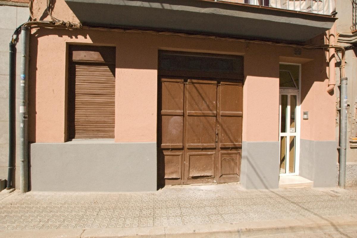 Local en venta en Manresa, Barcelona, Calle Major, 71.000 €, 104 m2