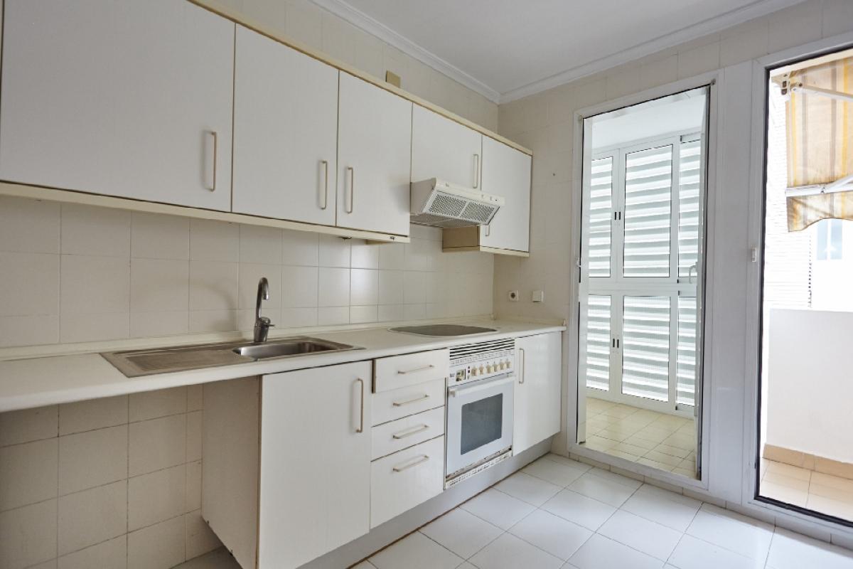 Piso en venta en Badalona, Barcelona, Calle Manuel Moreno Maurici, 309.500 €, 4 habitaciones, 2 baños, 127 m2