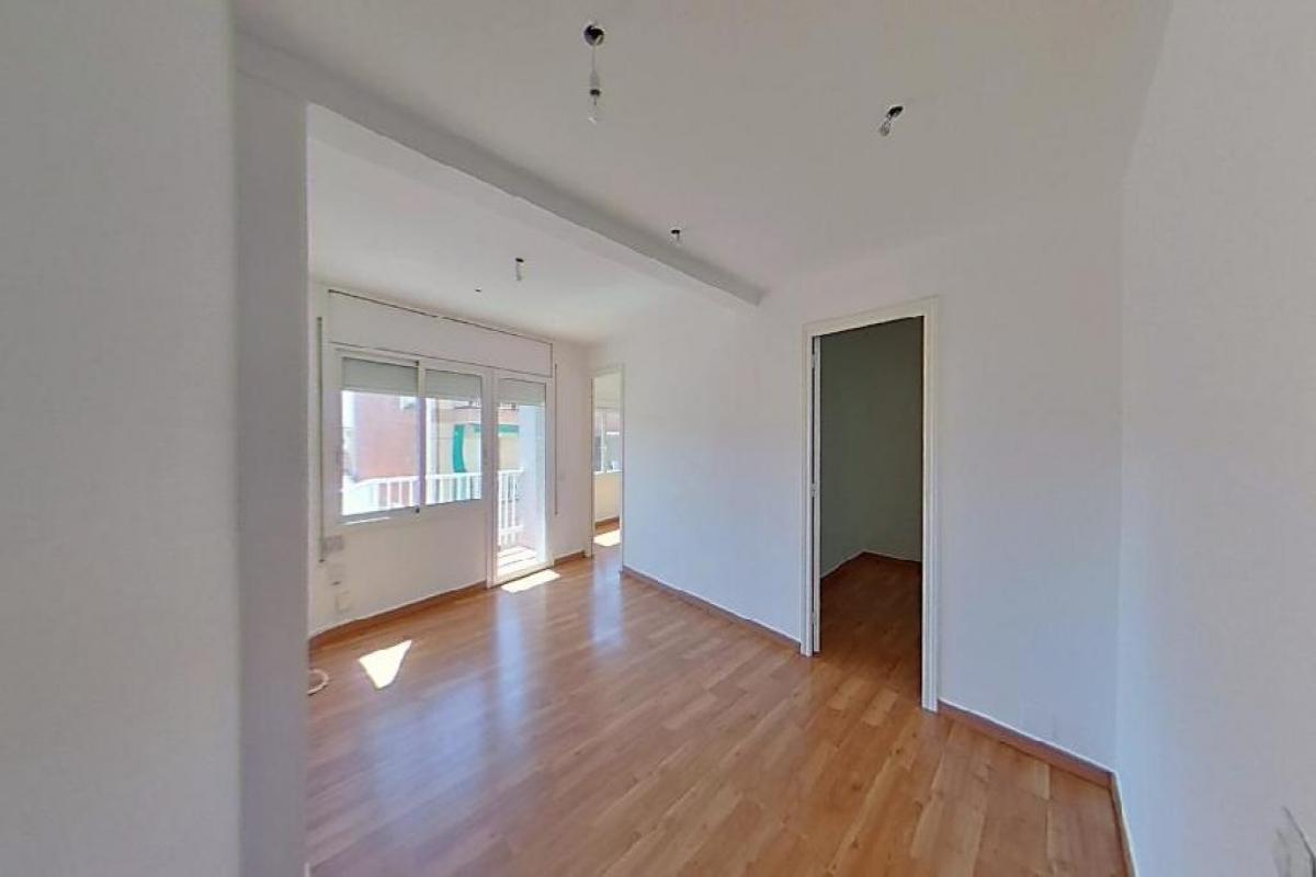 Piso en venta en Cornellà de Llobregat, Barcelona, Calle Mosen Jaime Soler, 172.500 €, 3 habitaciones, 1 baño, 66 m2