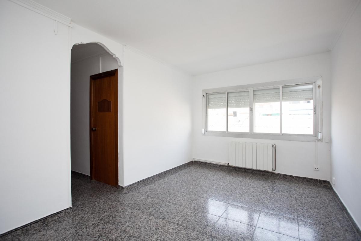 Piso en venta en Viladecans, Barcelona, Calle Mossen Ricard Serrajordia, 220.000 €, 3 habitaciones, 1 baño, 87 m2