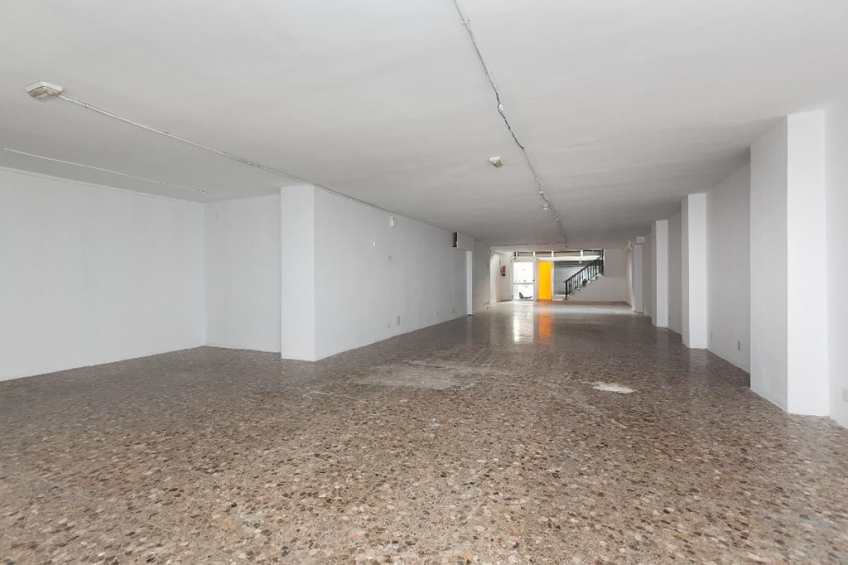 Local en venta en Gavà, Barcelona, Calle Pi Margall, 191.500 €, 152 m2