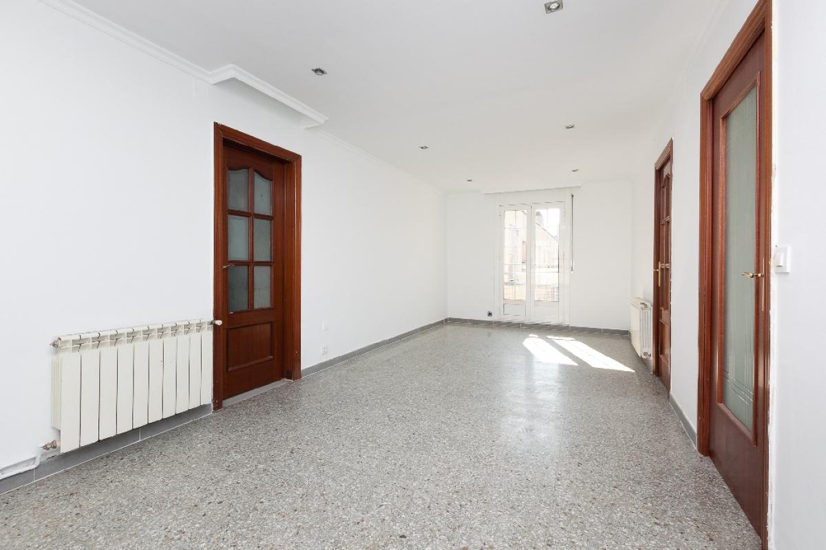Piso en venta en El Prat de Llobregat, Barcelona, Calle Riu Llobregat, 197.000 €, 4 habitaciones, 2 baños, 146 m2