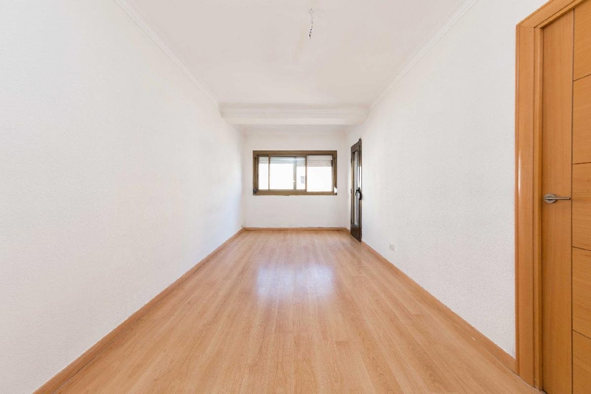 Piso en venta en Santa Coloma de Gramenet, Barcelona, Calle Sant Jeroni, 170.500 €, 3 habitaciones, 1 baño, 74 m2