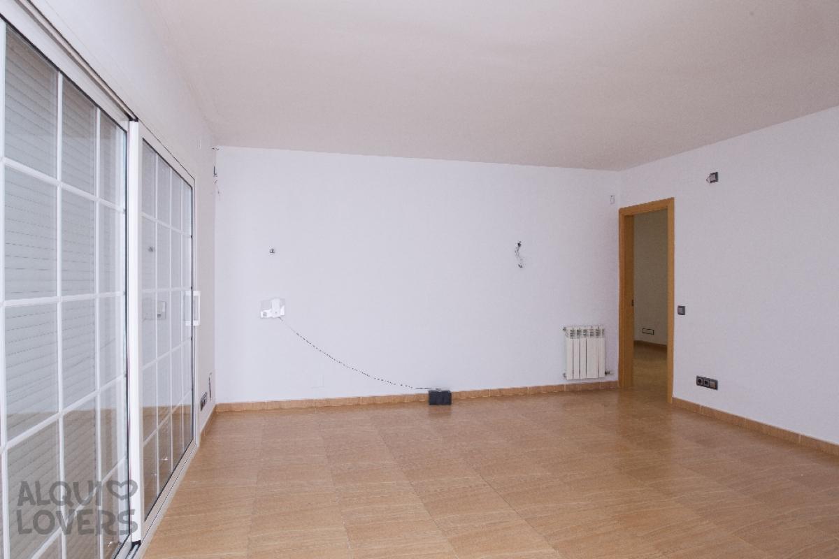 Piso en venta en Vilanova I la Geltrú, Barcelona, Calle Santa Magdalena, 249.500 €, 4 habitaciones, 2 baños, 133 m2