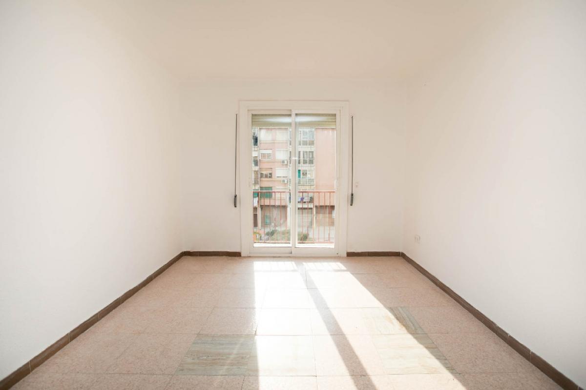 Piso en venta en Lleida, Lleida, Calle Valls D` Andorra, 59.500 €, 3 habitaciones, 1 baño, 70 m2