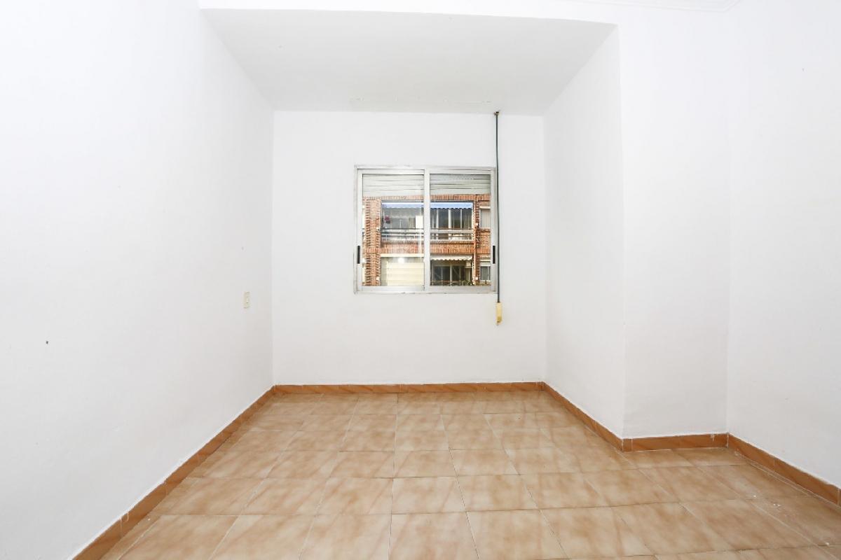 Piso en venta en Alipark, Alicante/alacant, Alicante, Calle Santa Maria Mazzarello, 65.000 €, 2 habitaciones, 1 baño, 75 m2