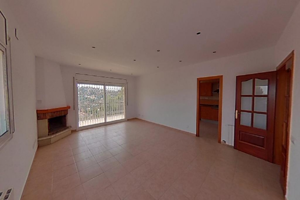Casa en venta en Costa Cunit, Cunit, Tarragona, Calle Via Lactea, 230.000 €, 4 habitaciones, 3 baños, 269 m2