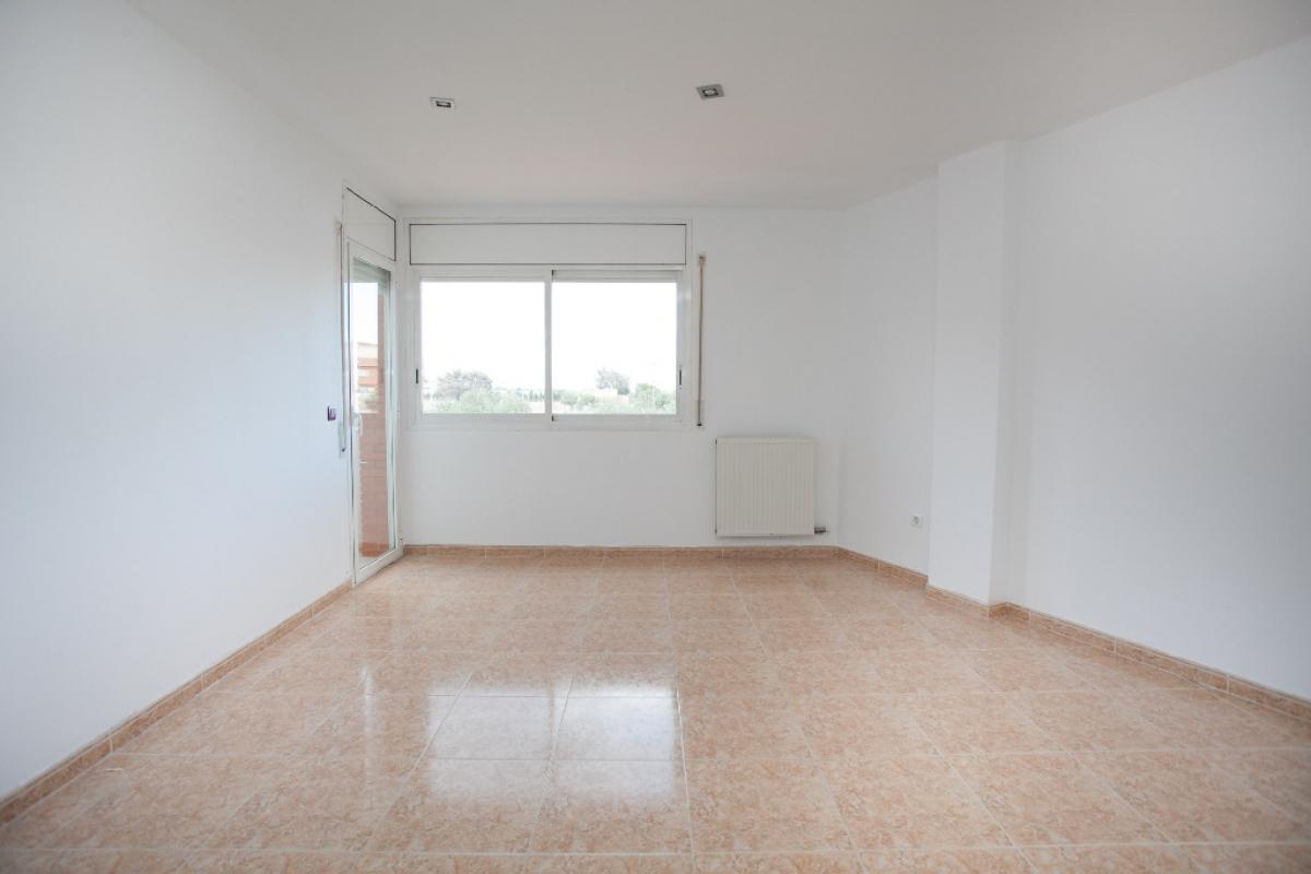 Piso en venta en Reus, Tarragona, Calle Agricultura, 127.500 €, 4 habitaciones, 2 baños, 124 m2