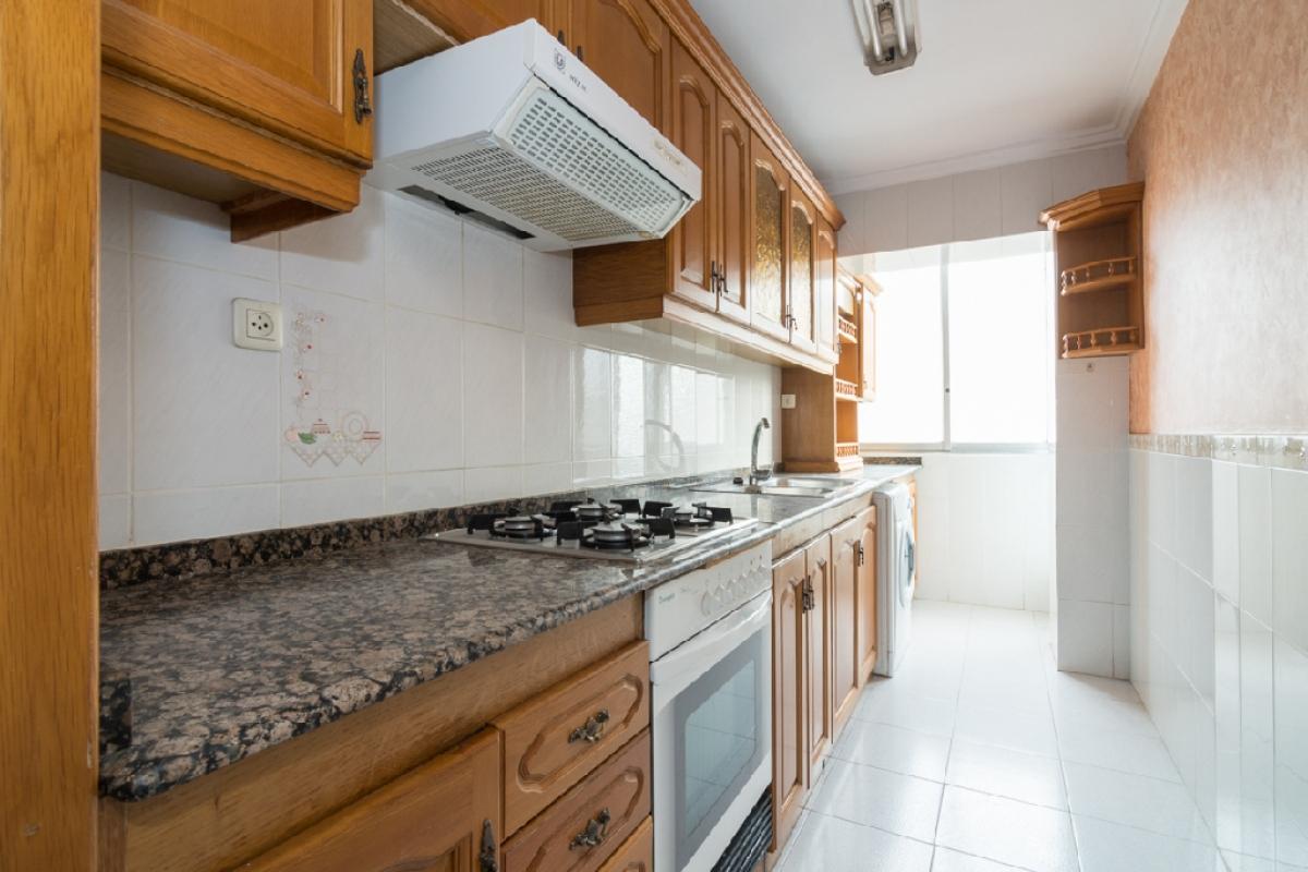 Piso en venta en Valencia, Valencia, Calle Vicente Brull, 120.000 €, 3 habitaciones, 1 baño, 86 m2