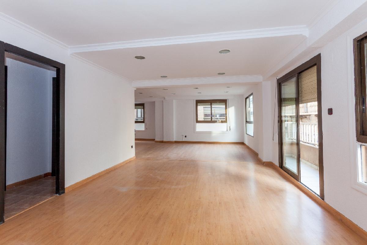 Piso en venta en Alicante/alacant, Alicante, Calle Colón, 191.000 €, 1 habitación, 2 baños, 102 m2