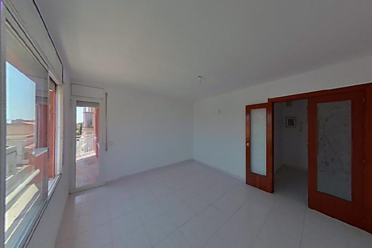 Piso en venta en Reus, Tarragona, Calle Pont, 79.500 €, 3 habitaciones, 1 baño, 105 m2