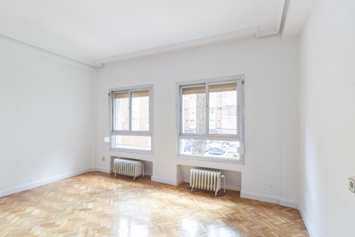 Piso en venta en Alcalá de Henares, Madrid, Calle Lope de Figueroa, 145.500 €, 5 habitaciones, 1 baño, 86 m2