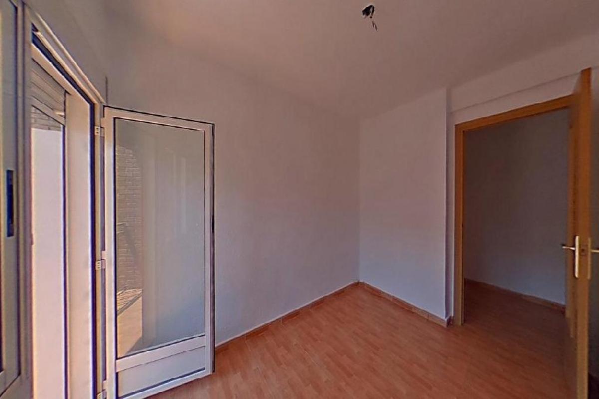 Piso en venta en Quart de Poblet, Valencia, Calle Pelleter, 65.500 €, 4 habitaciones, 1 baño, 76 m2