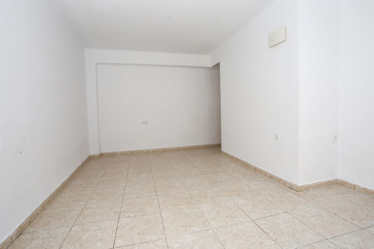 Piso en venta en Alaquàs, Valencia, Calle Musica, 57.500 €, 6 habitaciones, 1 baño, 73 m2