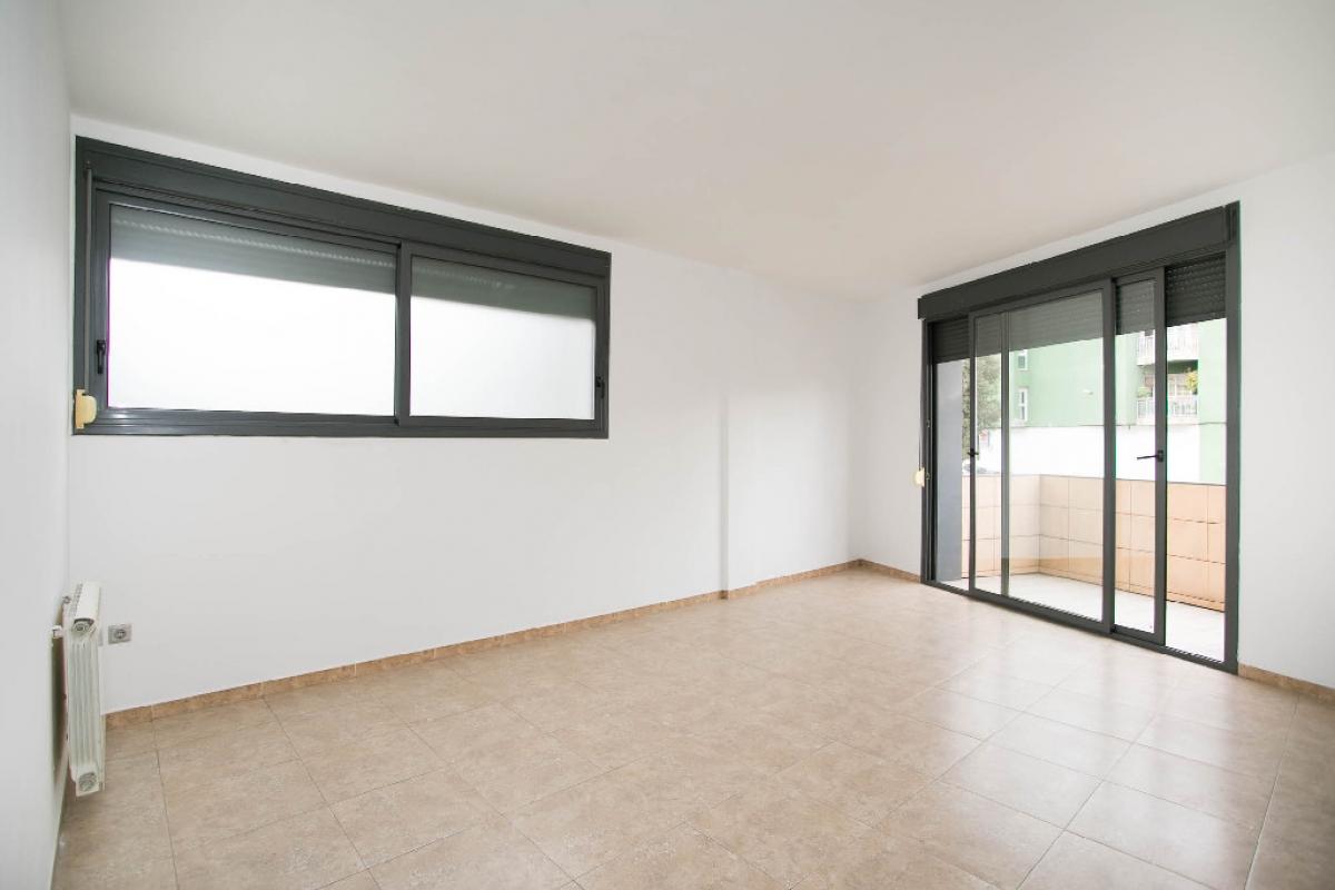 Piso en venta en Blanes, Girona, Calle Anselm Clave, 152.500 €, 3 habitaciones, 2 baños, 106 m2