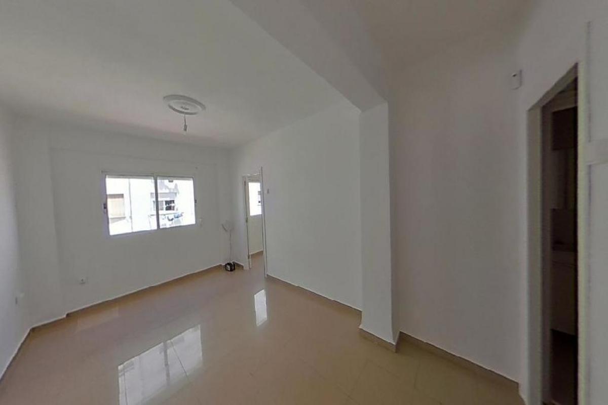Piso en venta en Piso en Valencia, Valencia, 57.000 €, 3 habitaciones, 1 baño, 60 m2