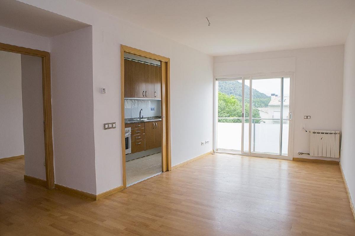 Piso en venta en Ca L`andrevic, Olot, Girona, Calle la Canova, 132.000 €, 3 habitaciones, 2 baños, 78 m2