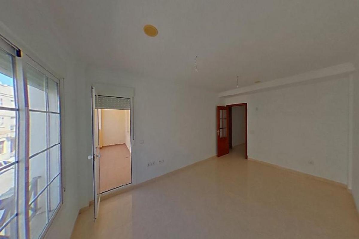 Piso en venta en Bockum, Benalup-casas Viejas, Cádiz, Calle Barbate, 48.000 €, 3 habitaciones, 1 baño, 83 m2