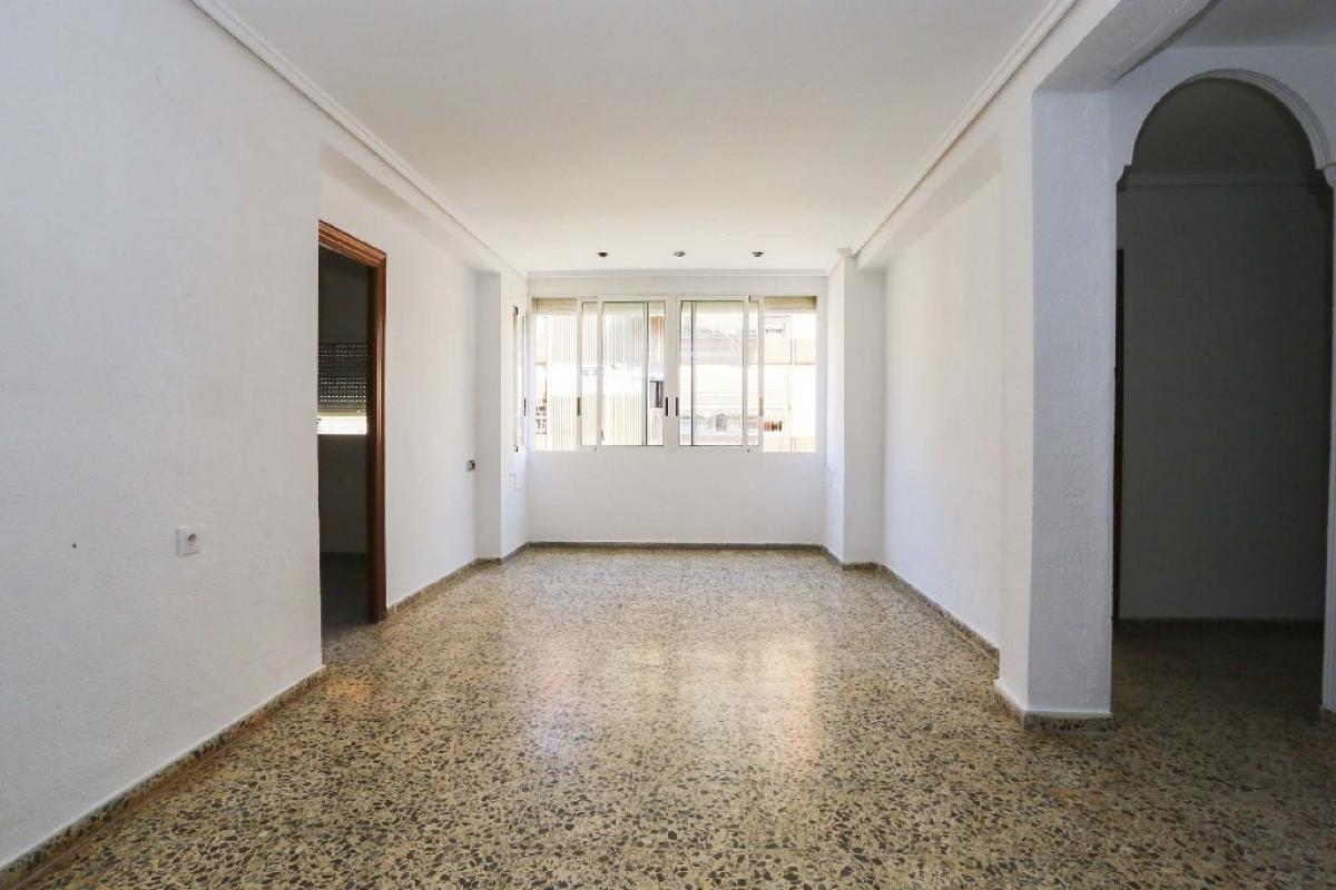 Piso en venta en Monte Vedat, Torrent, Valencia, Calle Constitucion, 61.500 €, 3 habitaciones, 1 baño, 96 m2