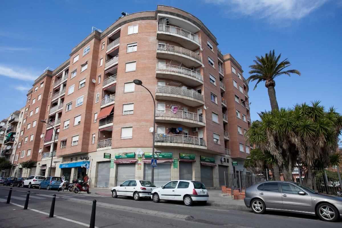 Piso en venta en Mercader, Reus, Tarragona, Calle Escultor Rocamora, 103.500 €, 2 habitaciones, 1 baño, 69 m2