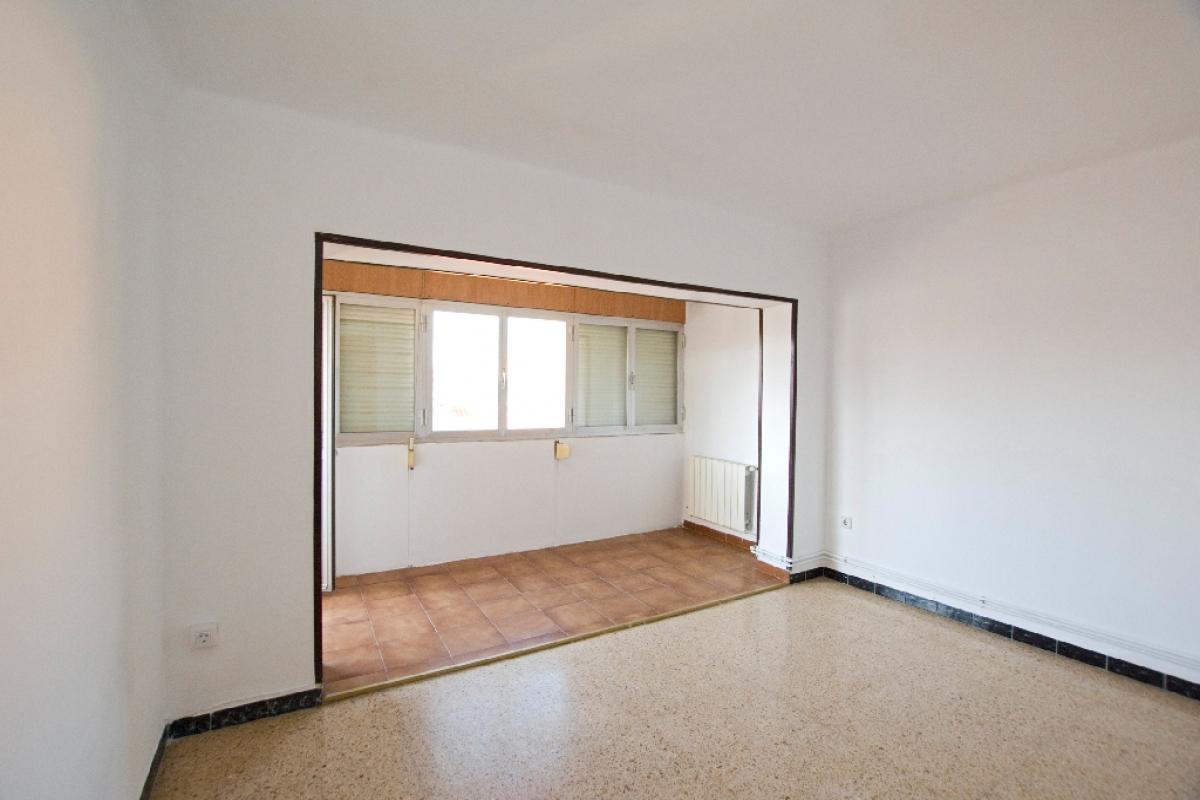Piso en venta en Can Cassany, Vic, Barcelona, Calle Raimundo de Abadal, 81.000 €, 3 habitaciones, 1 baño, 113 m2