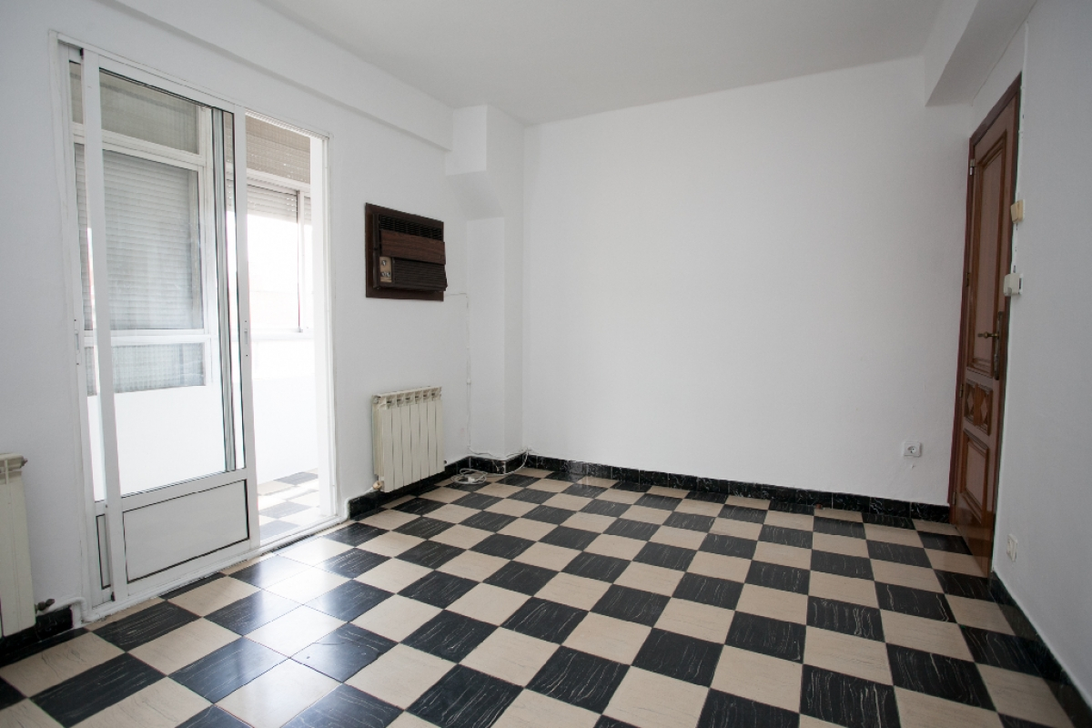 Piso en venta en San Pablo, Zaragoza, Zaragoza, Calle Zalmedina, 119.000 €, 3 habitaciones, 1 baño, 80 m2