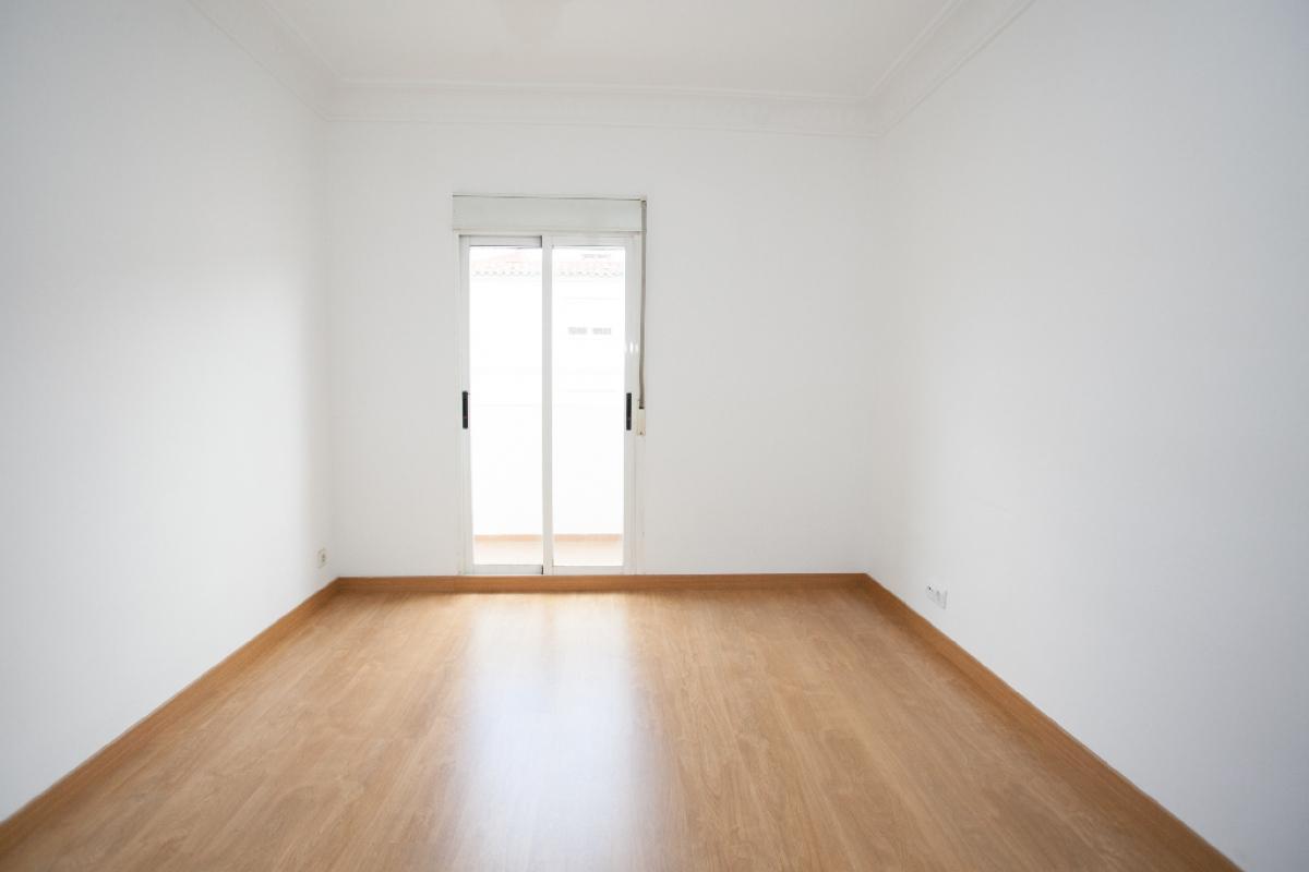 Piso en venta en Las Fuentes, Zaragoza, Zaragoza, Calle Eugenia Bueso, 77.000 €, 4 habitaciones, 1 baño, 63 m2