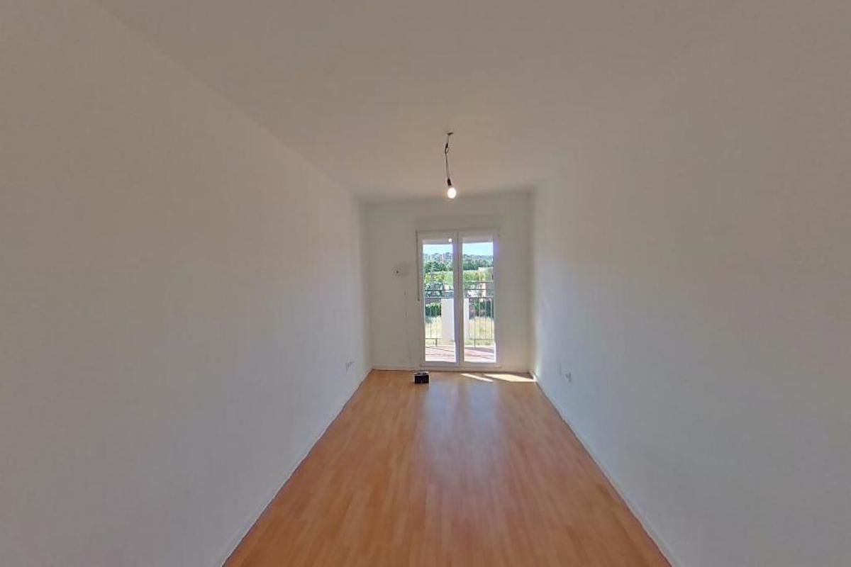 Piso en venta en Reyes Católicos, Alcalá de Henares, Madrid, Calle Batanes Los, 116.500 €, 3 habitaciones, 1 baño, 69 m2