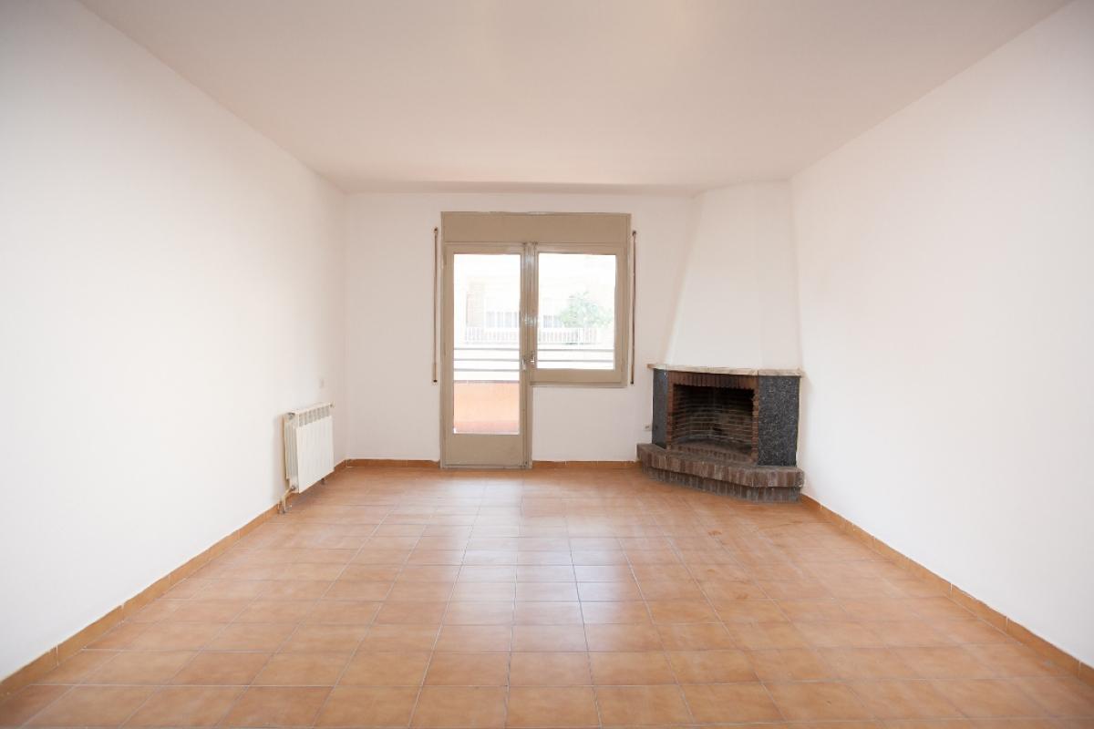 Piso en venta en Alpicat, Alpicat, Lleida, Calle Mossen Cinto, 80.500 €, 4 habitaciones, 2 baños, 126 m2