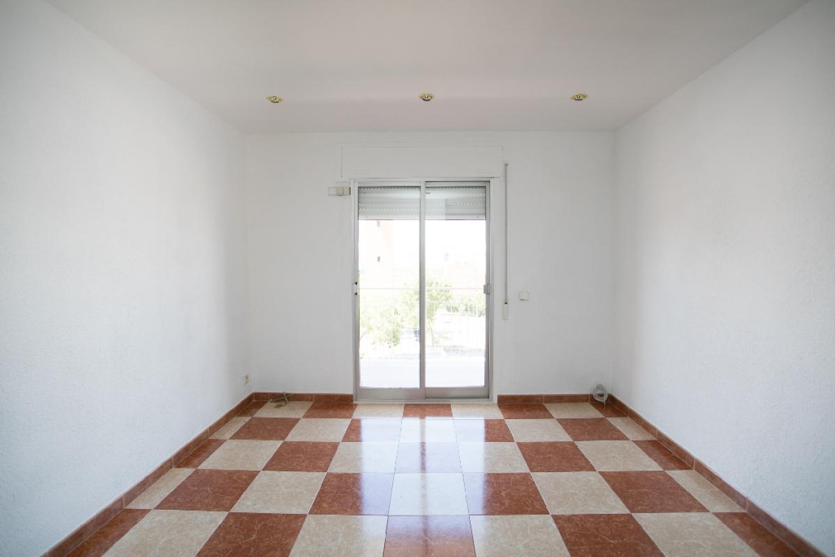 Piso en venta en Hortaleza, Madrid, Madrid, Calle Miranda de Arga, 194.000 €, 3 habitaciones, 1 baño, 62 m2
