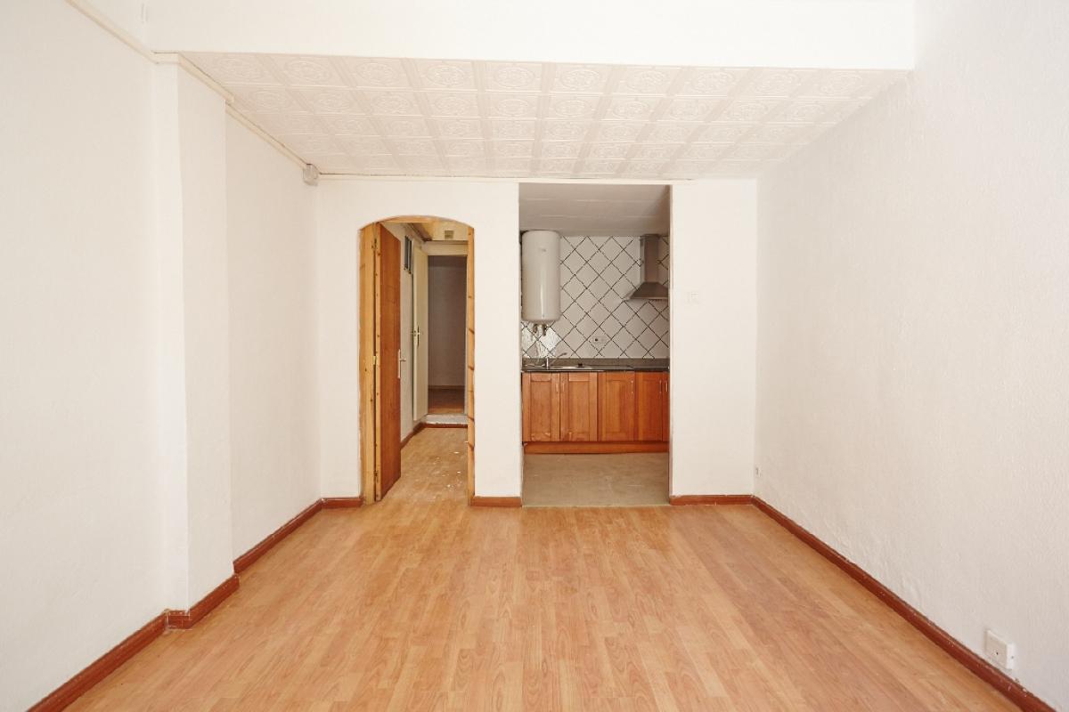 Piso en venta en Barcelona, Barcelona, Avenida Can Baro, 145.500 €, 3 habitaciones, 1 baño, 55 m2