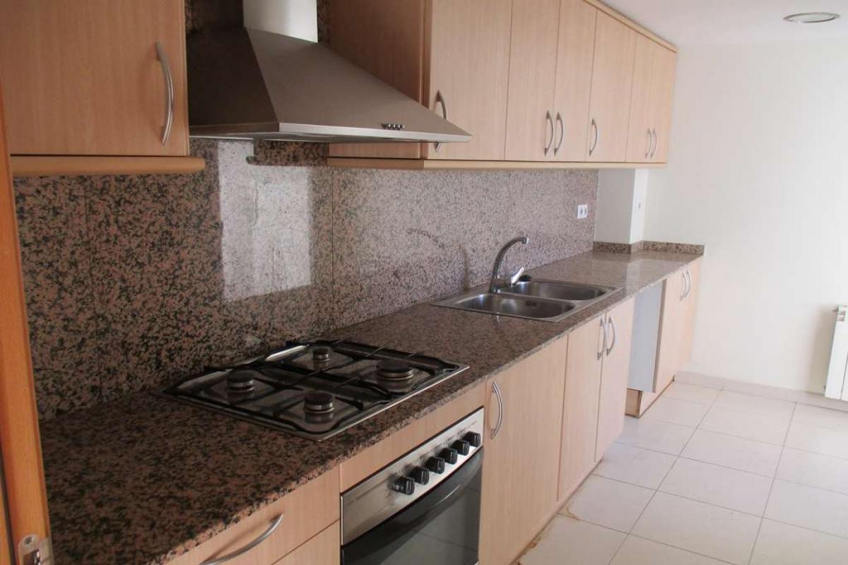 Piso en venta en Parets del Vallès, Barcelona, Avenida Josep Tarradellas, 202.500 €, 3 habitaciones, 2 baños, 88 m2