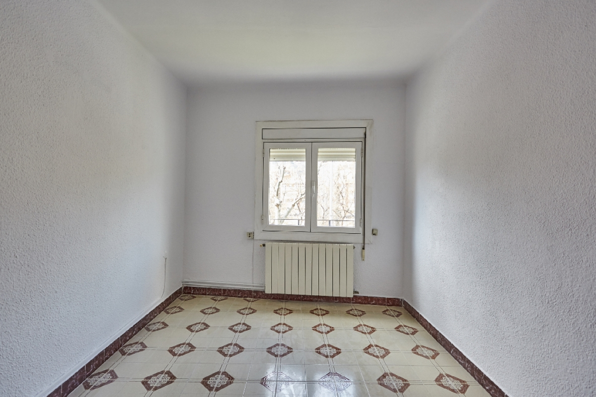 Piso en venta en Santa Coloma de Gramenet, Barcelona, Avenida Pallaresa, 145.500 €, 3 habitaciones, 1 baño, 60 m2