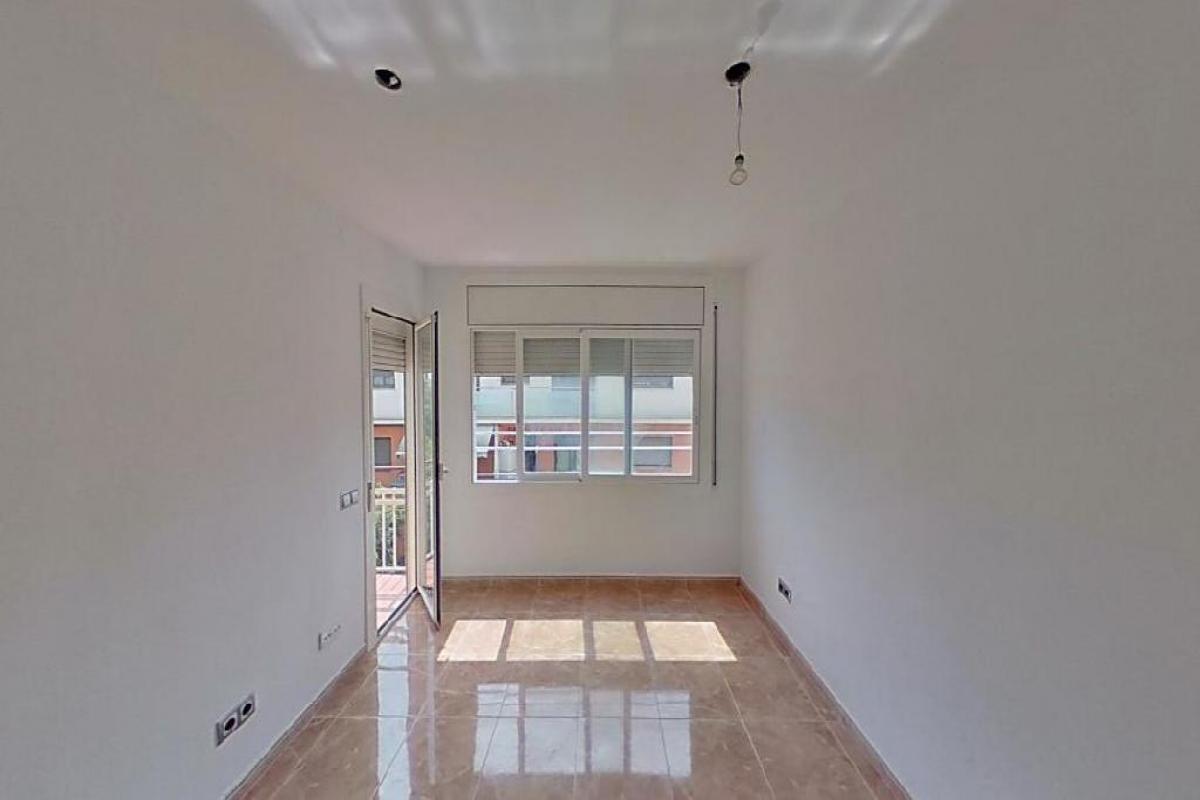 Piso en venta en Vilafranca del Penedès, Barcelona, Calle Banys, 106.000 €, 3 habitaciones, 3 baños, 77 m2