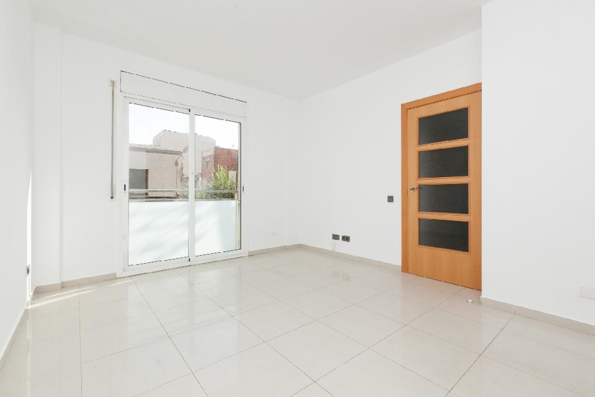 Piso en venta en Terrassa, Barcelona, Calle Bergueda, 116.000 €, 1 habitación, 1 baño, 63 m2