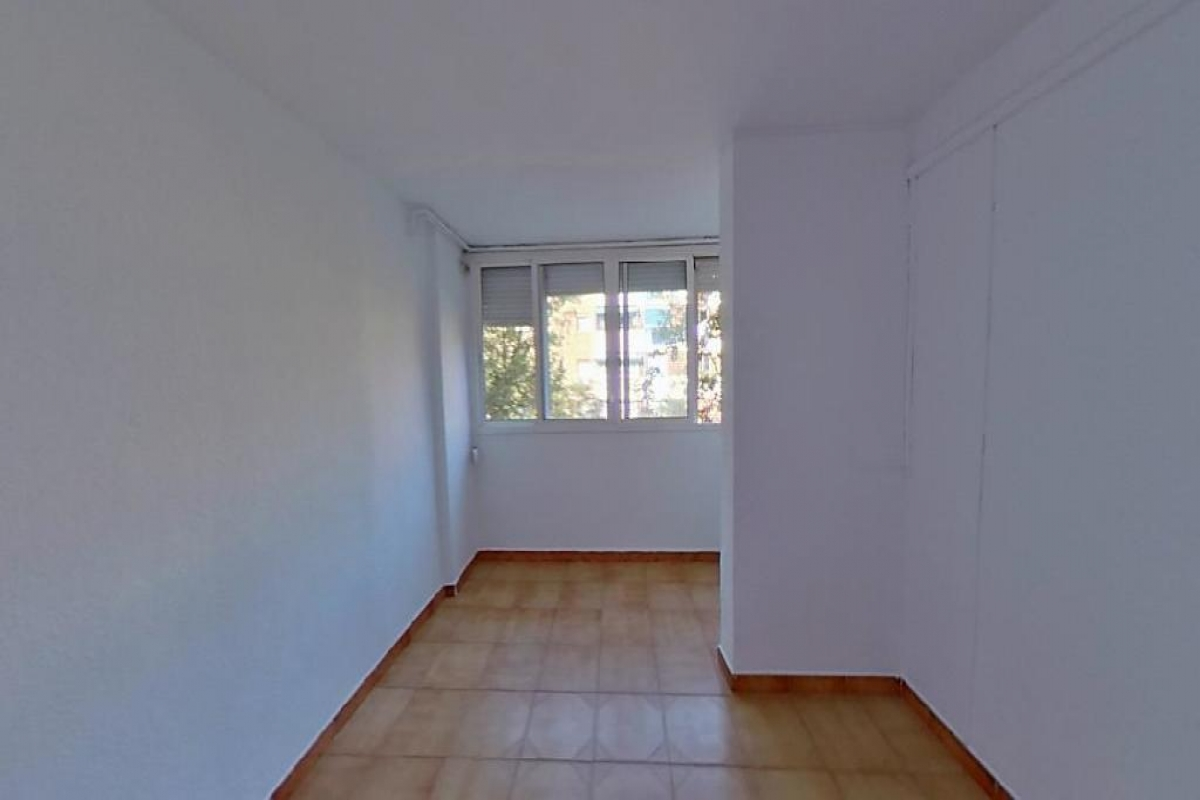 Piso en venta en Barcelona, Barcelona, Calle Ca N Oliva, 162.500 €, 3 habitaciones, 1 baño, 69 m2