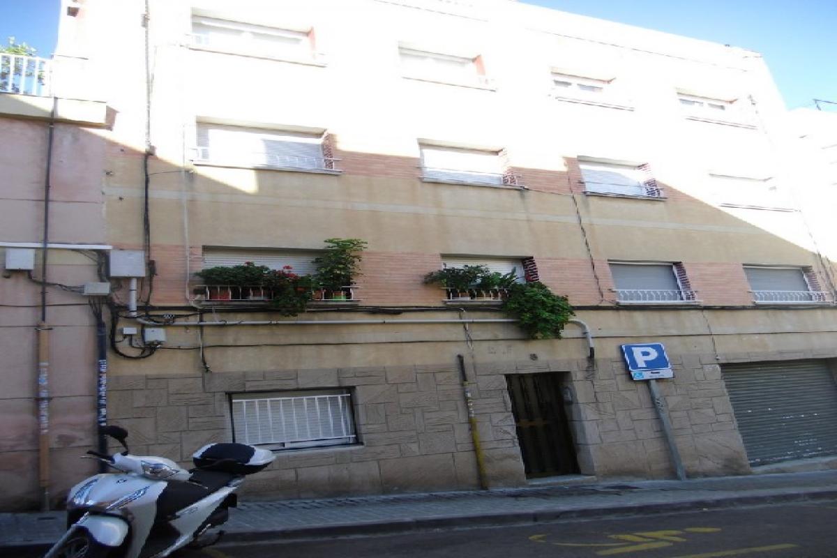 Local en venta en Badalona, Barcelona, Calle Camprodon, 75.000 €, 96 m2
