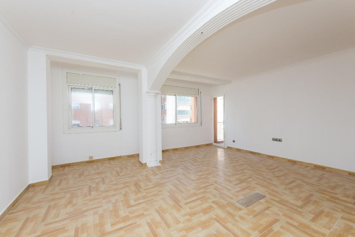 Piso en venta en Malgrat de Mar, Barcelona, Calle Caracas, 99.500 €, 2 habitaciones, 1 baño, 75 m2