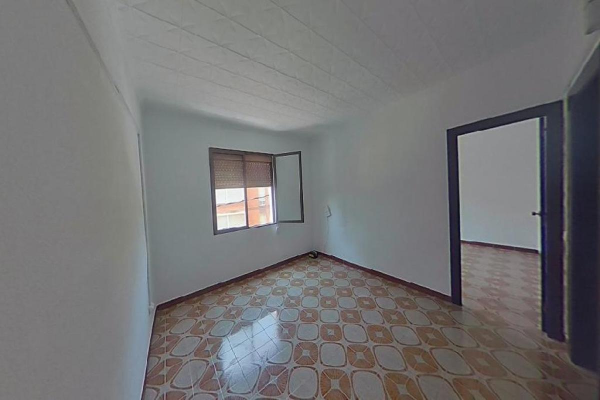 Piso en venta en Barcelona, Barcelona, Calle Coimbra, 236.500 €, 3 habitaciones, 1 baño, 71 m2
