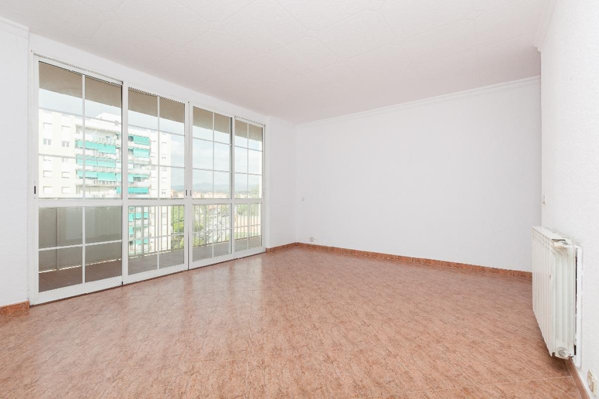 Piso en venta en Sabadell, Barcelona, Calle Collsalarca, 182.500 €, 4 habitaciones, 1 baño, 112 m2