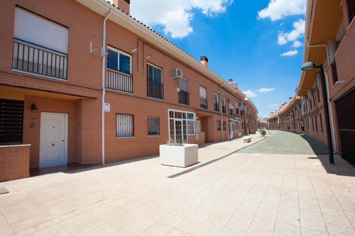 Piso en venta en San Martín de la Vega, Madrid, Calle Cuba, 163.500 €, 5 habitaciones, 3 baños, 116 m2